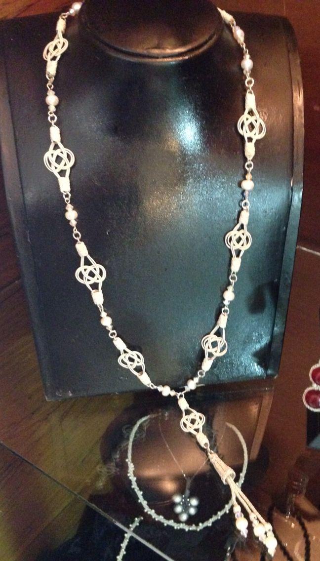 Gümüş, inci & swarovski taşlarla ve gümüş örgü teknikleriyle yaptığım kolye.. By:Nur