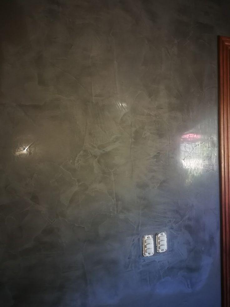 Stucco veneciano gris.
