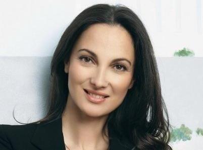 Έλενα Κουντουρά: Δυναμική & Κομψή!!