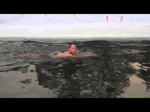 Ewout Staartjes bezocht in Moskou een z.g. Walrusclub (ijszwemmers) en raakte zo geinspireerd dat hij in Nederland nu 3x per week gaat winterzwemmen in de IJssel.