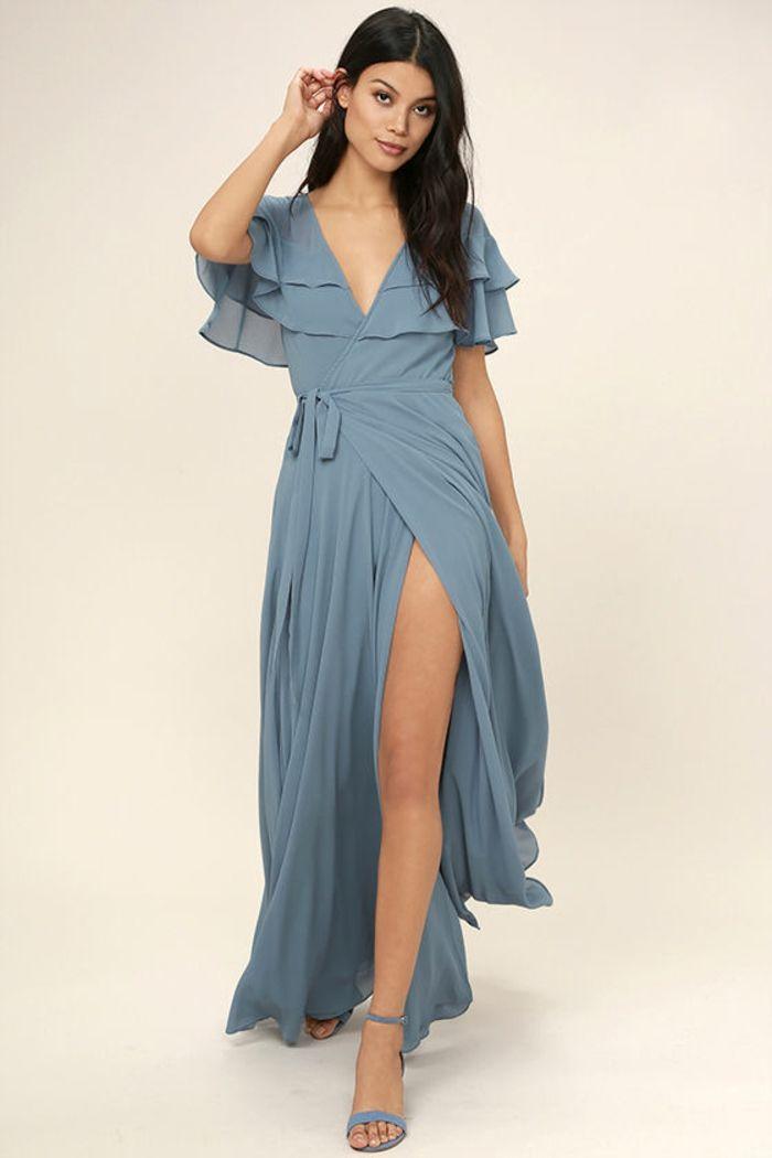 tenue chic détail choc en couleur lavande robe longue avec des volants aux épaules