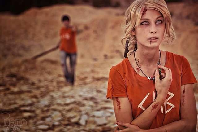 A cosplay of Percabeth in Tatarus of the scene where Annabeth is cursed to be blind and feel abandoned by Percy