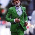 El inusual traje en color verde para hombre. Pura sofisticación.