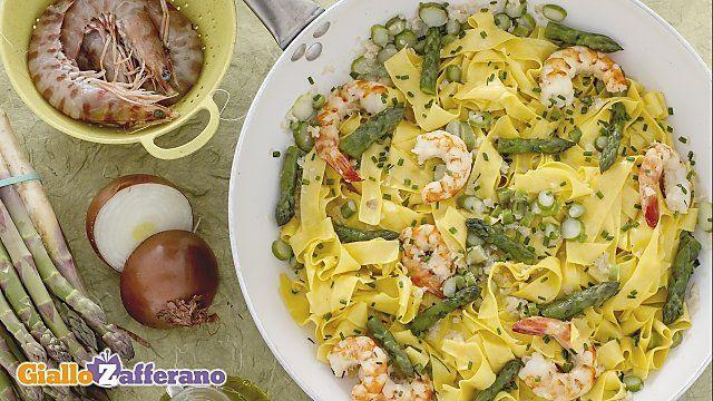 Ricetta Lasagne con asparagi, uova e gamberi - Le Ricette di GialloZafferano.it