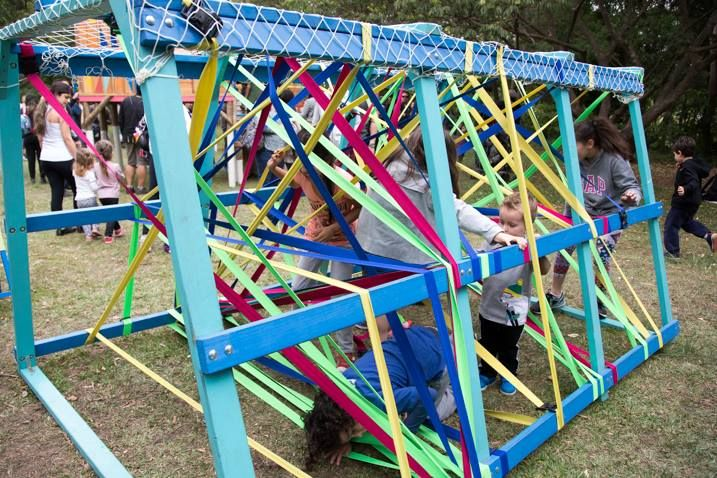 'Slow Kids' terá kombi sensorial, tambores, circo e muito mais