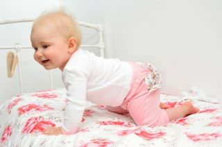Gorgeous baby girl pants and Tee set. Dress your little princess up for Spring!!