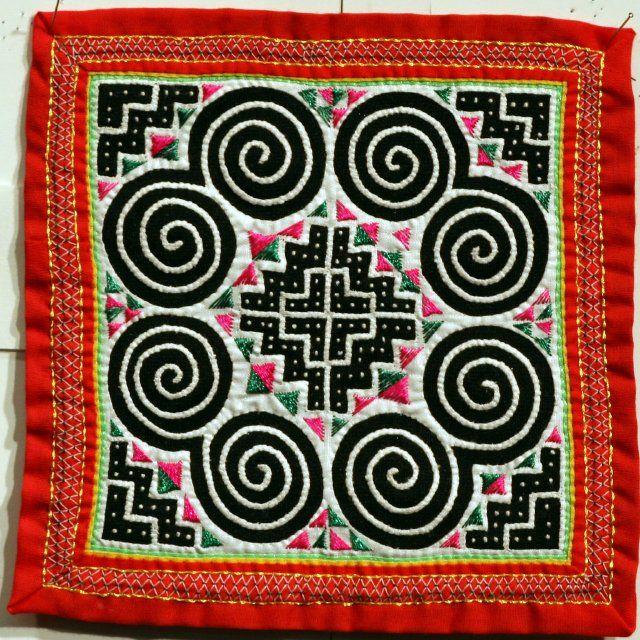 meer dan 1000 idee n over hmong tattoo op pinterest tribale veer tatoeages wisconsin. Black Bedroom Furniture Sets. Home Design Ideas
