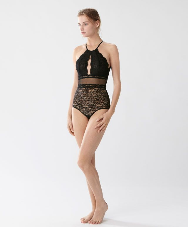 Body halter pizzo - Bodies - Tendenze moda donna SS 2017 su Oysho on-line : biancheria intima, lingerie, abbigliamento sportivo, scarpe, accessori e costumi da bagno.
