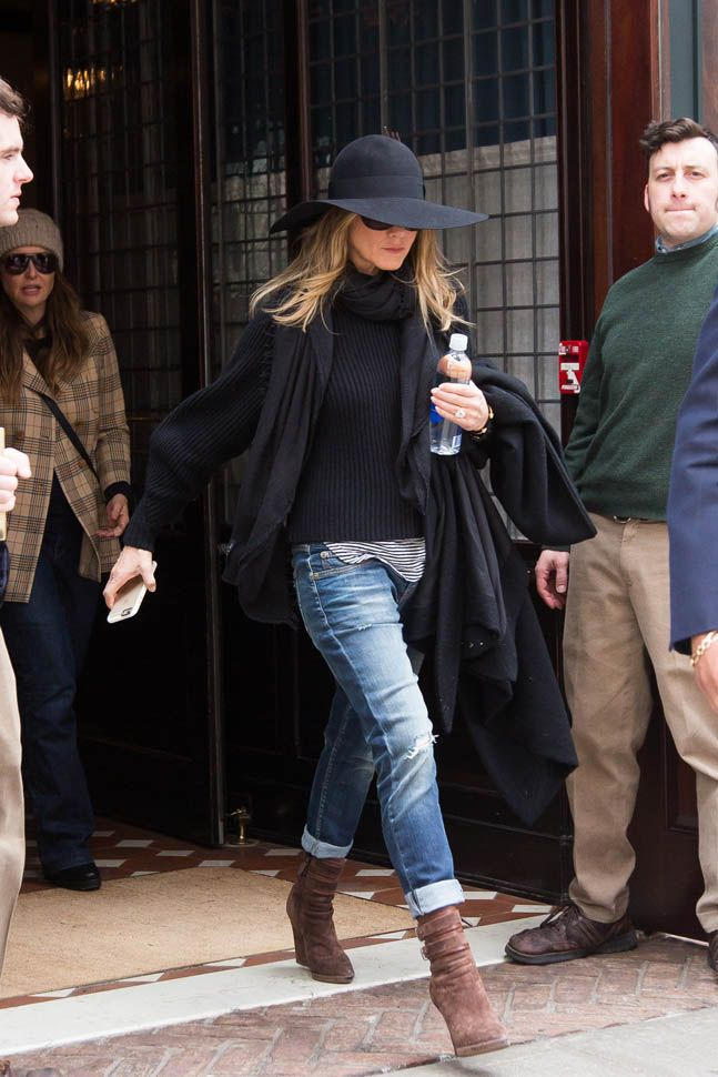 Loving this street style look on Jennifer Anniston. Boyfriend jeans wedged suede boots and a slouchy sweater, would be perfect in Fall.