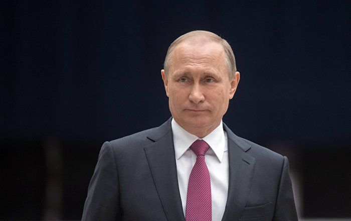Russian President Vladimir Putin said on Tuesday that Russia actively assists Iraq in the defense industry sector.