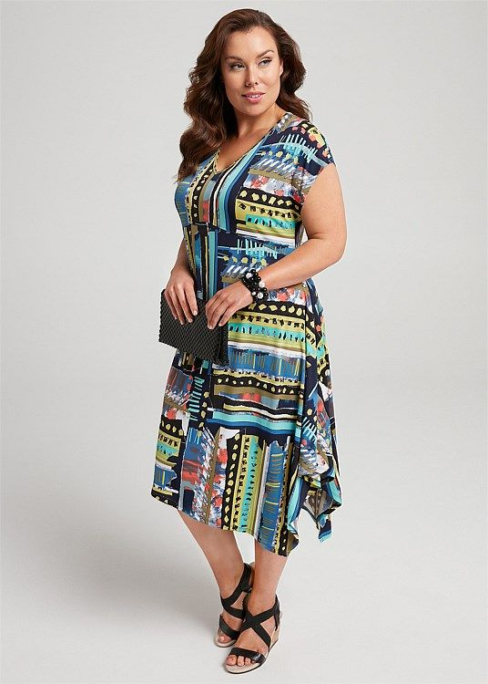 Hand On Your Heart Dress #takingshape #plussize #curvy #ts