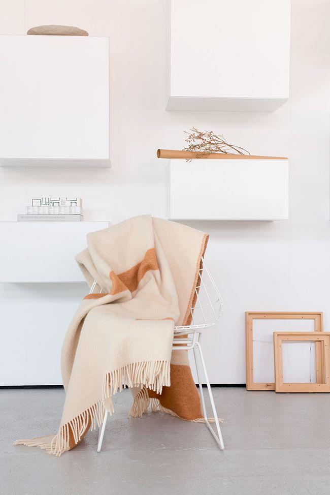 1000 id es sur le th me plaid canap sur pinterest lits. Black Bedroom Furniture Sets. Home Design Ideas