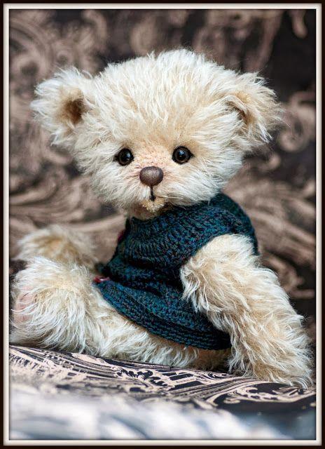 Three O'Clock Bears posted by Redlandspoodles.com