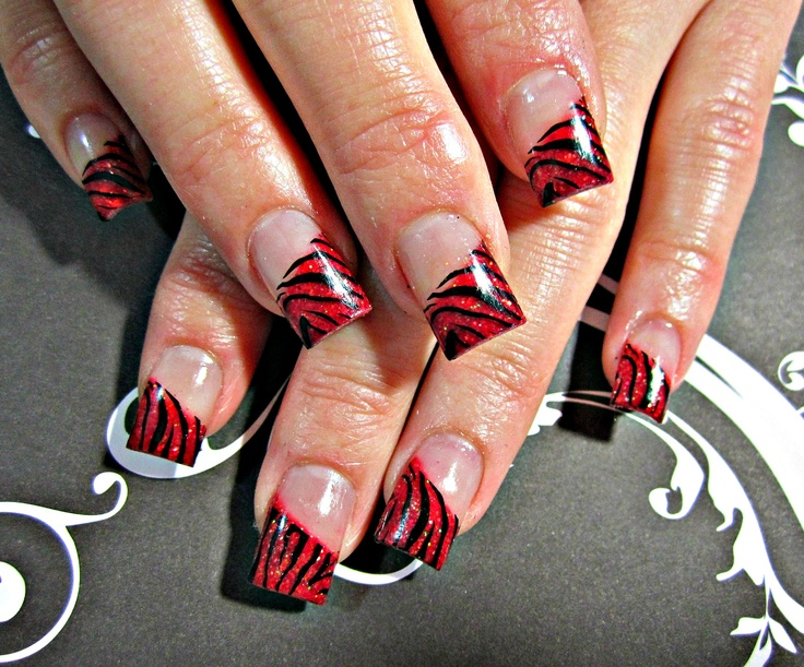 Zebra acrylic nails- I would do these nails on my mom!!!