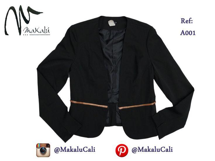 Blazer negro, ideal para usar con muchas de tus pintas! #modafemenina #makalu #makalucali #tendencias #ropaamericana #fashionweek #outfit #neon #moda #cali #colombia