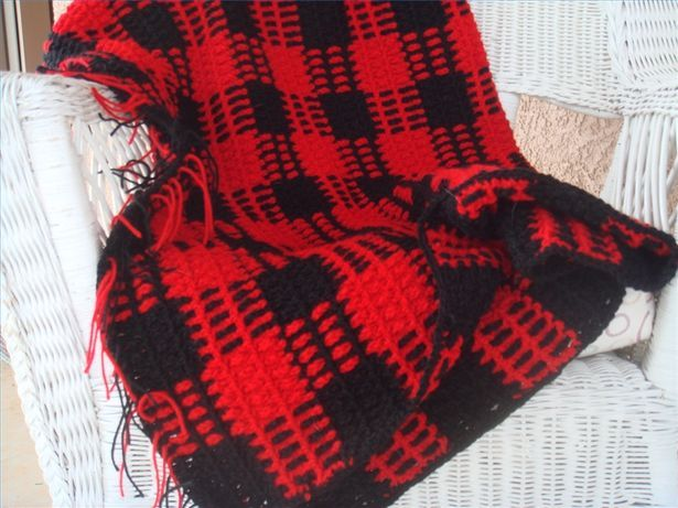 How to crochet a buffalo plaid afghan.  I think I'll make one at the the end of summer for fall.