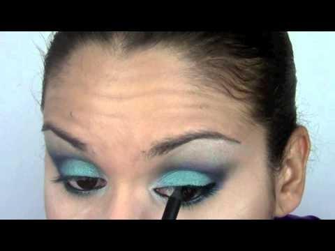 Ojos Turquesa / Torquoise Eyes