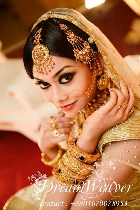 Gold jewellery, Indian bridal jewellery, maang tikka, jhumar / jhoomar, Passa, bangles , nath / nathni,