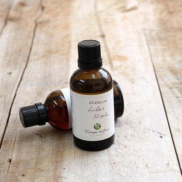 Esencia de Lilas muy concentrada con cierto toque a madera. Se utiliza como base en perfumería.  #hacerjabones #esencias #cremas #hacer