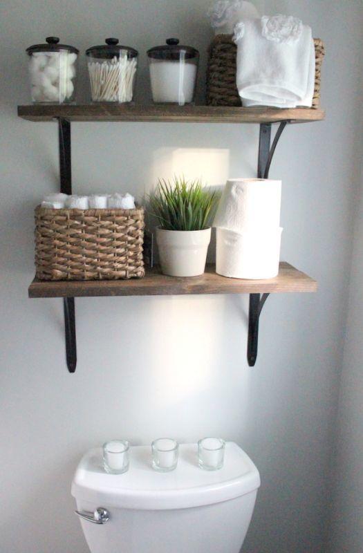 Aproveite ainda mais o espaço do seu #banheiro! Coloque #prateleiras em cima do…