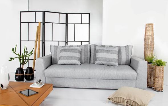 l divano letto Italy di Tino Mariani è un sorprendente mix di eleganza, funzionalità e comodità. Nella versione divano, i soffici cuscini in piuma d'oca della seduta e dello schienale garantiscono una piacevole sensazione di morbidezza, paragonabile ad un divano senza il letto. http://www.tinomariani.it/prodotti/divano-letto-italy.html