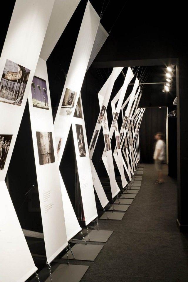 ♂ Contemporary design - simply modern display - ADRIA GOULA_015