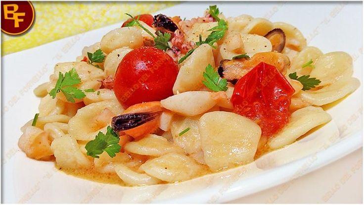 Orecchiette con frutti di mare e pomodorini