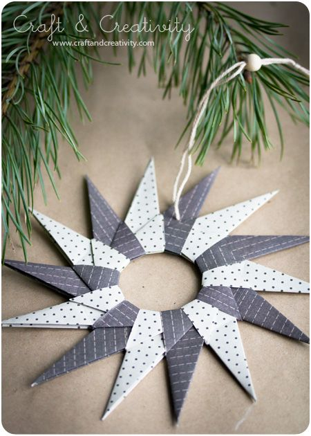Origami paper stars - by Craft & Creativity  tutorial at http://pysselbolaget.se/2012/11/23/julstjarnor-i-origamiorigami-paper-stars/