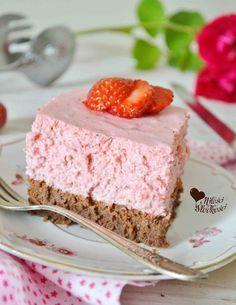 Z miłości do słodkości...: Ciasto czekoladowe z musem truskawkowym