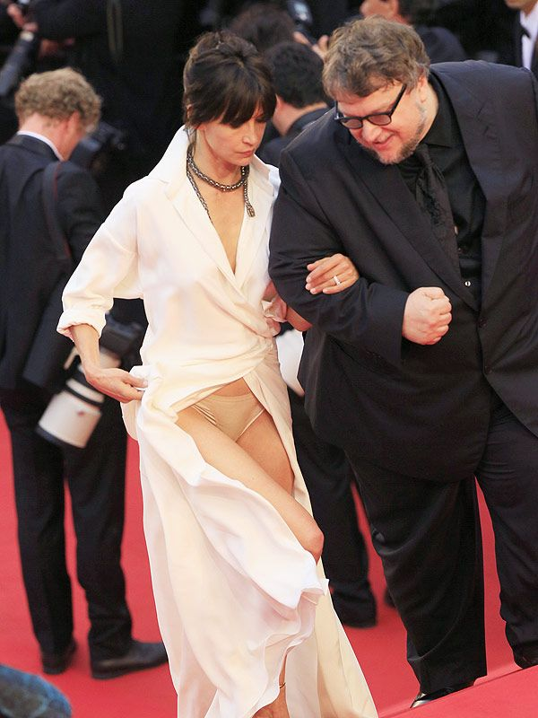 cannes 2015 french actress sophie marceau suffers wardrobe malfunction again. Black Bedroom Furniture Sets. Home Design Ideas