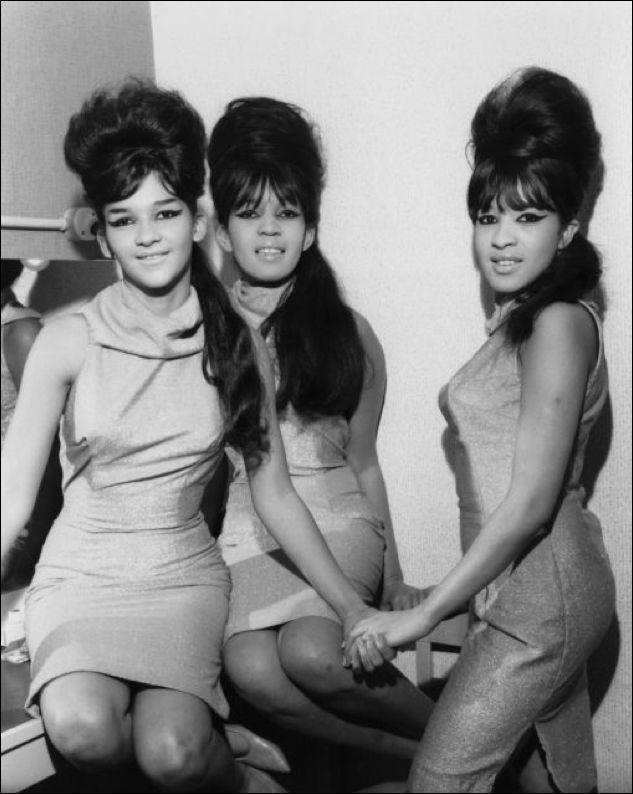 The Ronettes — Nedra Talley, Estelle Bennett & Veronica Bennett (Ronnie Spector)