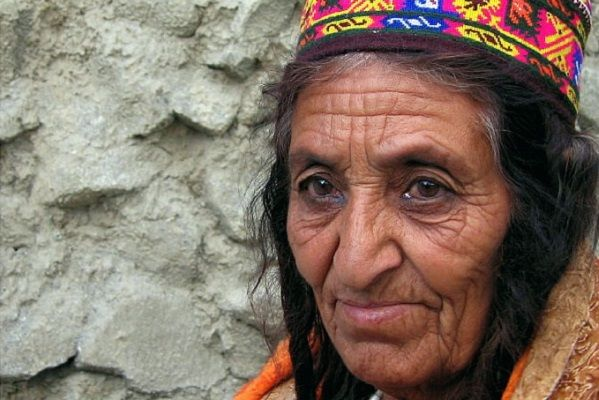 Dieta oamenilor din Hunza. Cum să trăiești 160 de ani? http://antenasatelor.ro/satul-%C8%99i-lumea/8951-dieta-oamenilor-din-hunza-cum-sa-traie%C8%99ti-160-de-ani.html