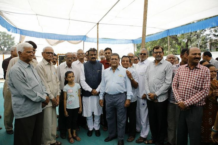 Today Mayor Shri Gautam Shah along with Dy Mayor Smt Pramodaben Sutariya, local councillors and other diganitaries laid the foundation stone for upcoming Community Centre/Hall in Keshavnagar Stadium Ward West Zone.  #Ahmedabad