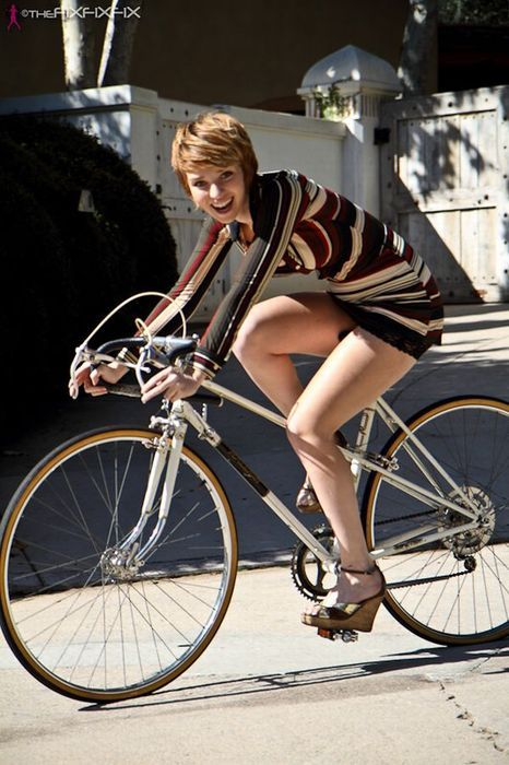 483 Best Chic Woman Images On Pinterest Cycle Chic Bicycles And