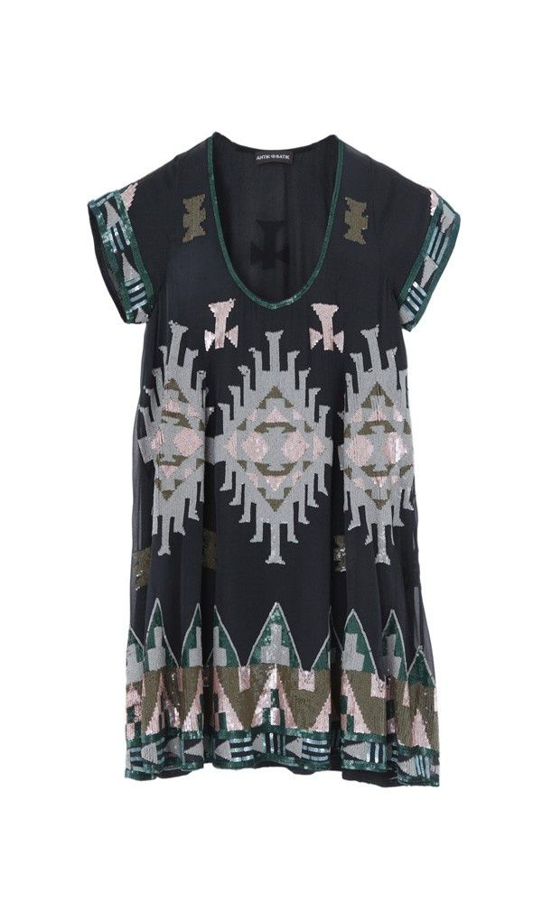 antik batik dress. yaaas with a skinny gold belt around the waist ? lawd.