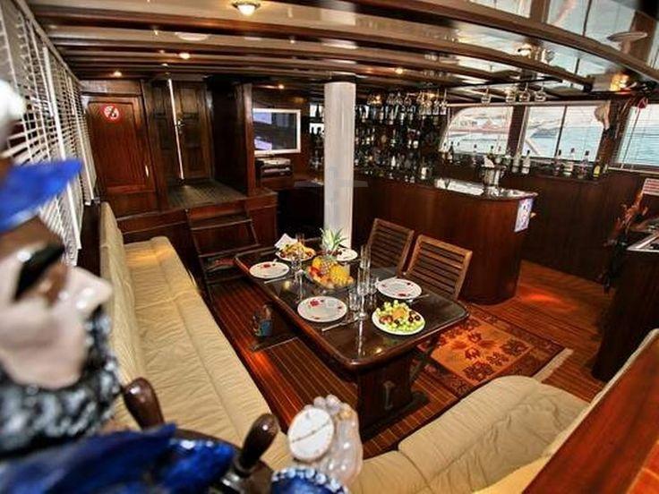 DERYA DENIZ | CNL Yacht