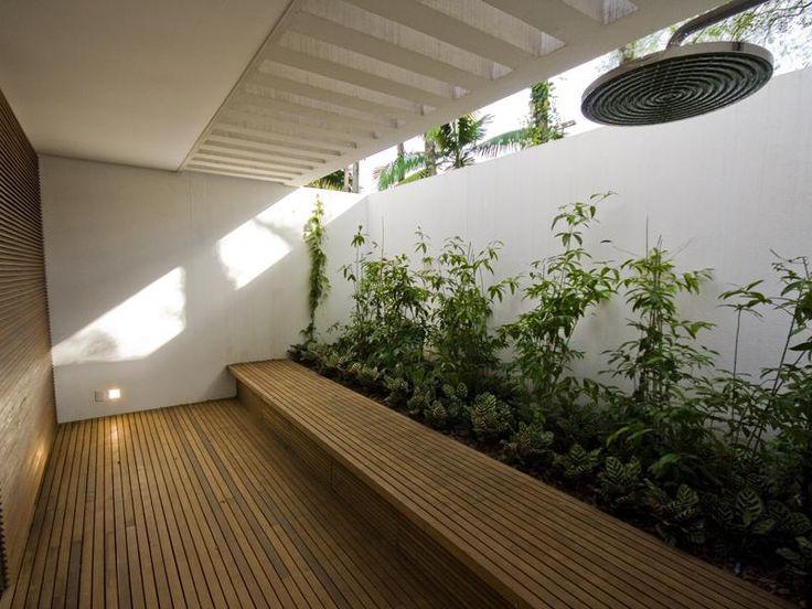 Minimalist Interior Garden Design Ideas