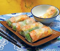 Prawn and omelette spring rolls