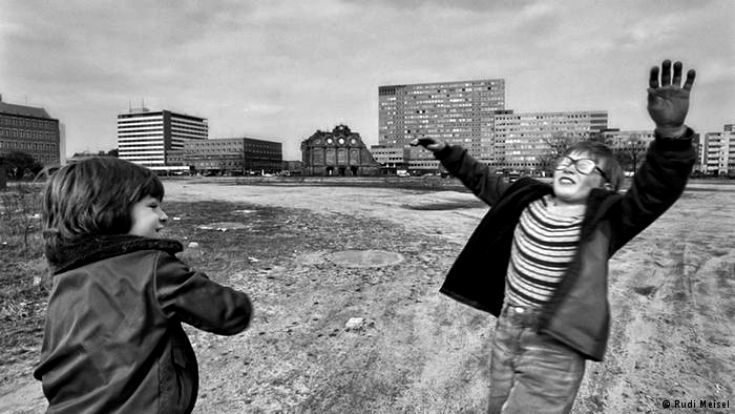 Is this picture from East or West Germany? In Rudi Meisel's photos, it's often hard to tell. He was one of only a few photographers to be allowed to work in both Germanys prior to 1989. This picture was taken in 1980 at the site of the former Anhalter Bahnhof railway station in the Kreuzberg district of West Berlin. Damaged during World War II, the station was closed in 1952.Click on pin to preview our children's American History DVDs.