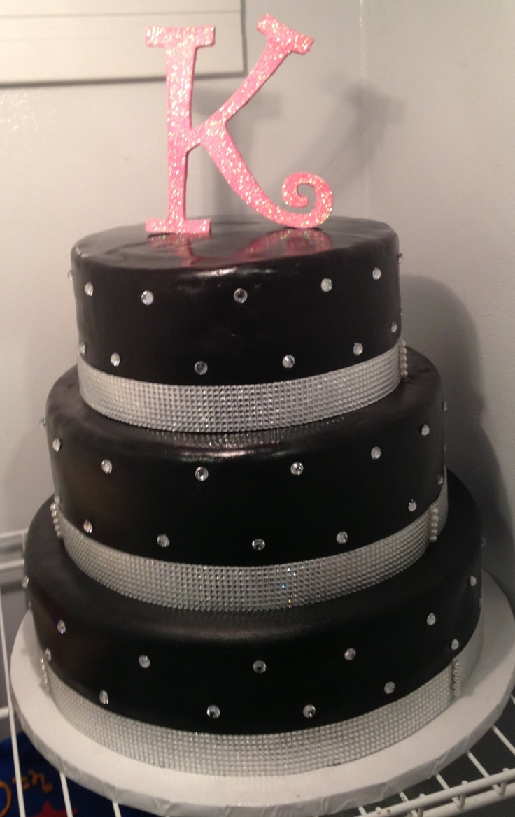 Glamorous.... don't know if I care for the black fondant though