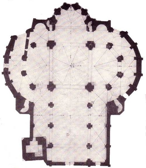 Floor plan of San Fedele, Como. Three naves grafted (innestate) onto a central plant, it reminda a clover leaf