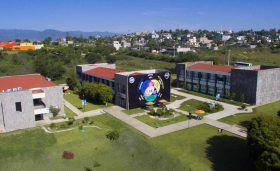 Universidad Anáhuac Oaxaca promueve debate sobre la radiodifusión en Oaxaca