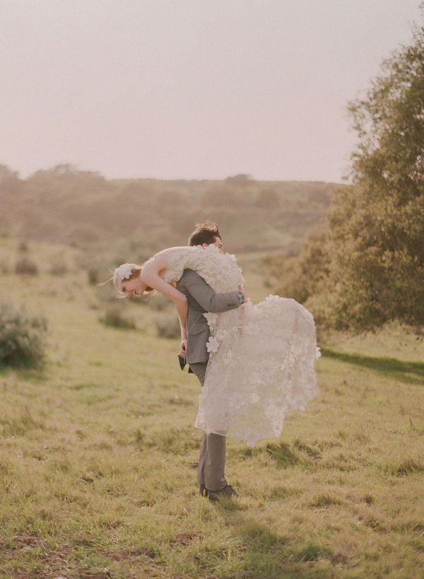 Community: 20+ Insanely Cute Wedding Photos To Cheer You Up