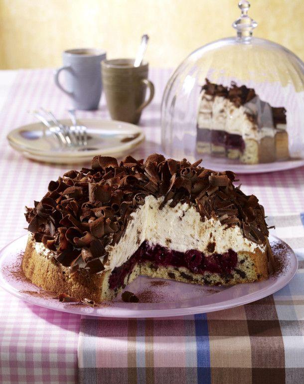 Unser beliebtes Rezept für Stracciatella-Kirsch-Torte und mehr als 55.000 weitere kostenlose Rezepte auf LECKER.de.