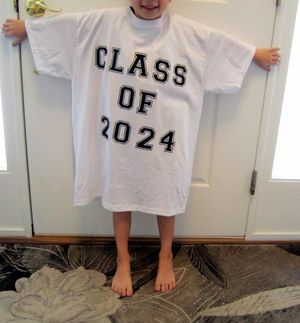 Take a picture of your kid in the same shirt every year - by senior year, the shirt will fit! Cool idea..  @jen Newth Tennessen @Casey Dalene Dalene Newth @Kelsey Myers Myers Triplette   # Pinterest++ for iPad #
