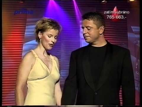 Iveta Bartošová a Petr Muk - Znám jednu starou zahradu - YouTube
