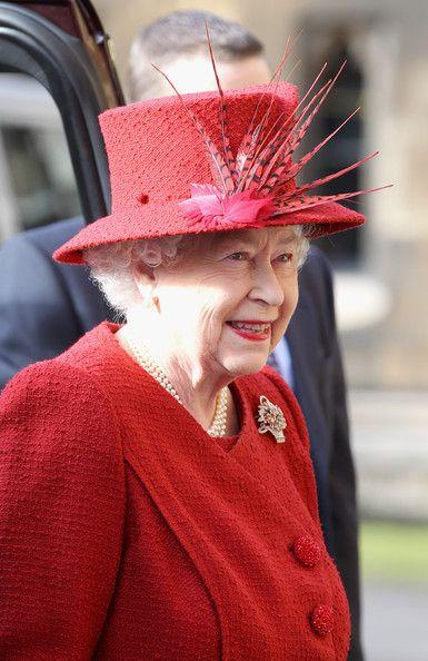Queen Elizabeth II Photos - Queen Elizabeth II And The Duke Of Edinburgh Attend A Diamond Jubilee Multi-faith Reception - Zimbio