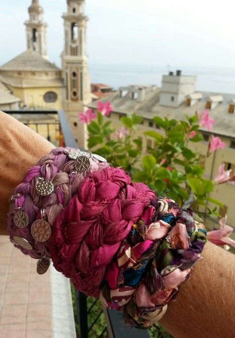 Bracciali di seta indiana intrecciata