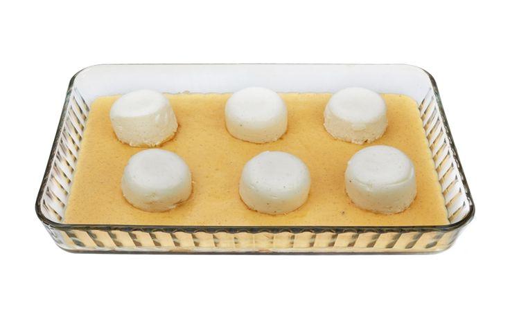 Lapte de pasăre - Cel mai bun desert din copilărie, pufos și aromat, preparat  așa cum îți amintești, alături de o cremă delicioasă de vanilie.