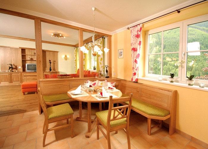 http://www.neuhaus.co.at/holiday-apartment-deluxe-saalbach.en.htm Apartment de Luxe Casa Nuova